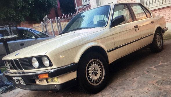 Auto BMW E30 320i