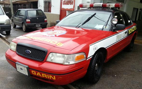 Auto Ford Crown Victoria V8
