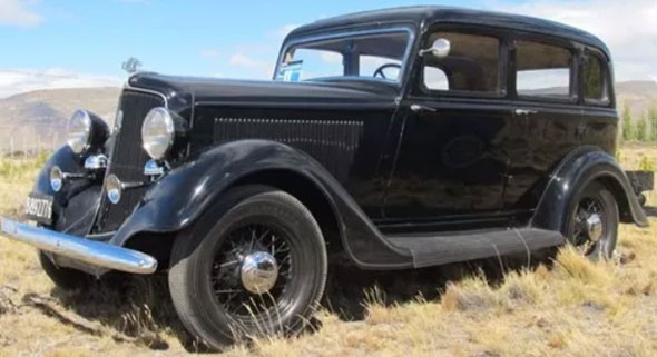 Auto Plymouth 1934 Sedán
