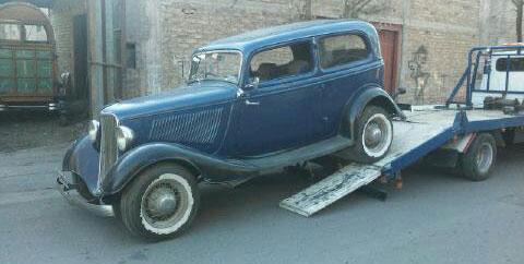Auto Ford Tudor 1933