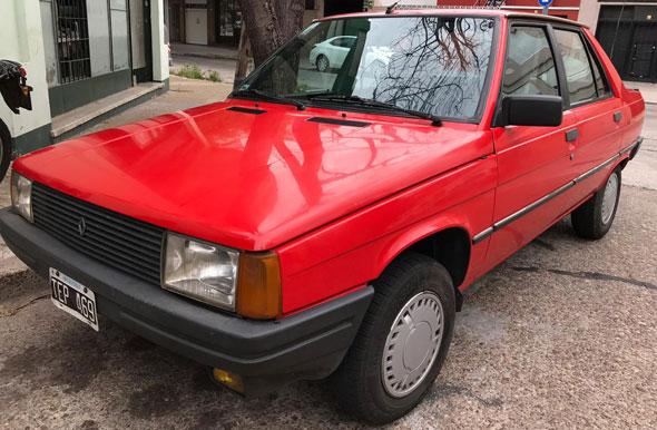 Auto Renault 9 TXE