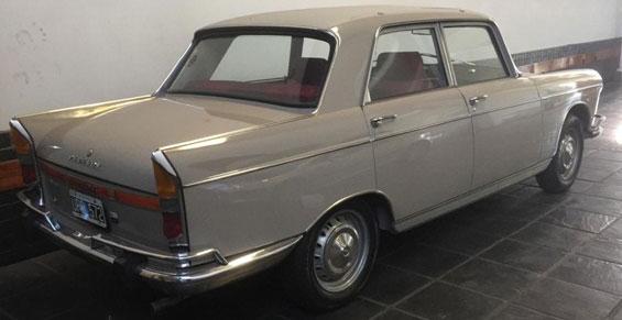 Auto Peugeot 404 1971