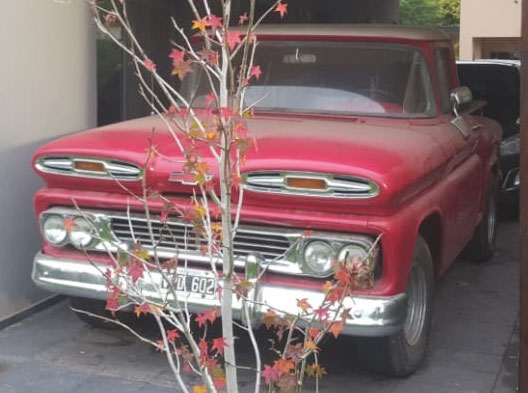 Auto Chevrolet Apache