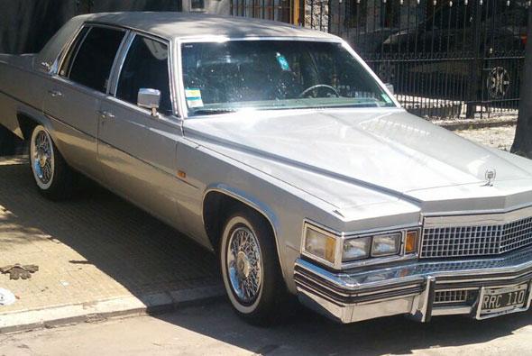 Auto Cadillac Deville 1979