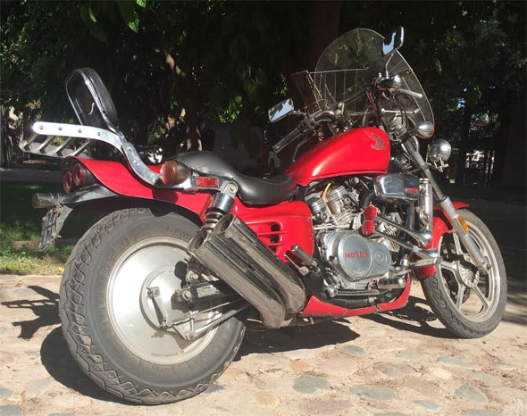 Moto Honda Supermagna