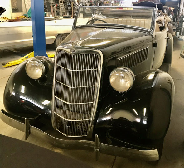 Auto Ford 1935 Roadster