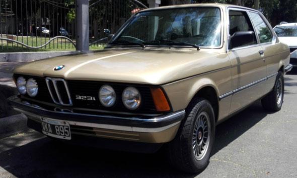 Auto BMW 323