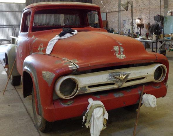 Auto Ford 1956