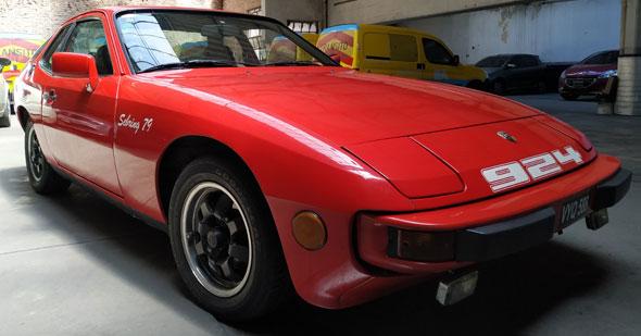 Auto Porsche 924 Sebring