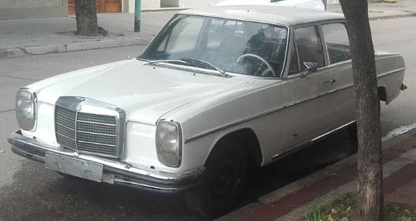 Auto Mercedes Benz 230 1969