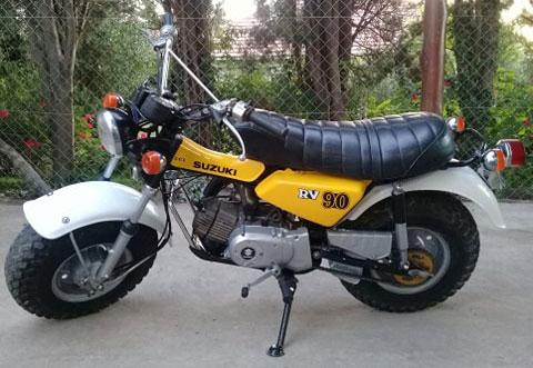 Moto Suzuki RV90