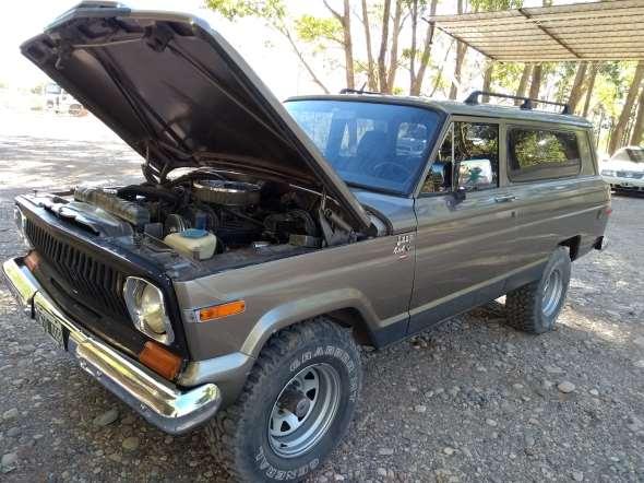 Auto Jeep Cherokee