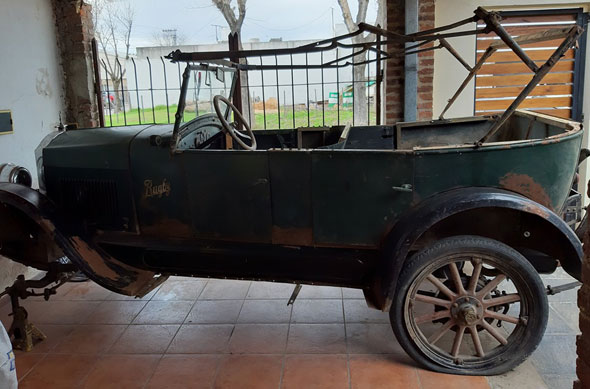 Auto Rugby Star Model F 1924