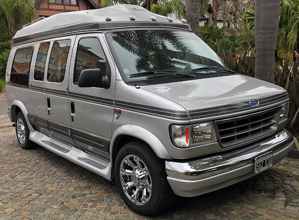 Auto Ford Econoline E-150