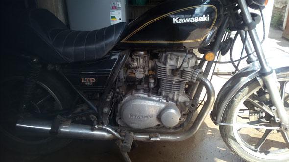 Moto Kawasaki 440 LTD