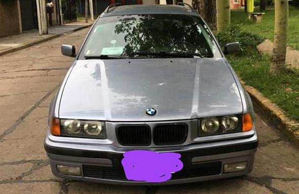 Auto BMW 328i Touring