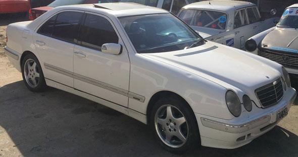 Auto Mercedes Benz E240