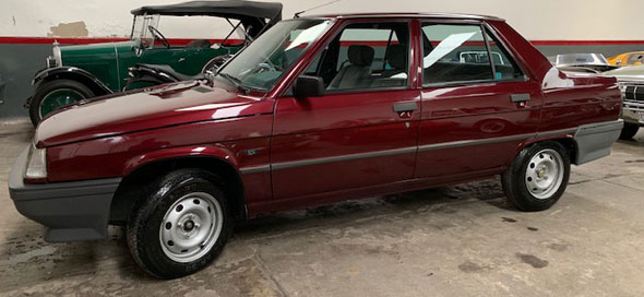 Auto Renault 9 GTL