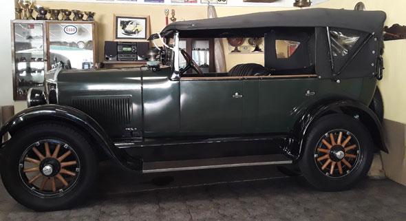 Auto Studebaker 1925