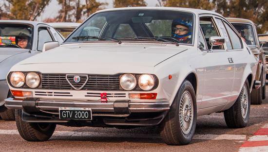 Auto Alfa Romeo Alfetta GTV 2000