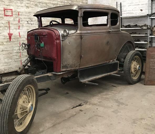 Auto Ford Coupé 5 Ventanas
