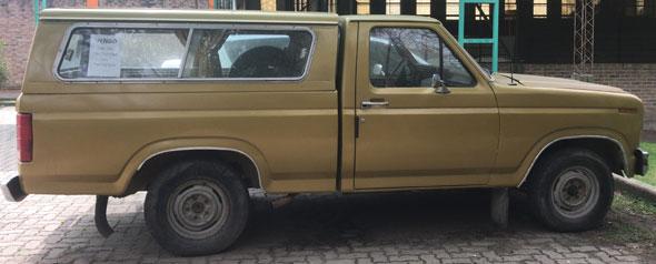 Auto Ford F100 1981