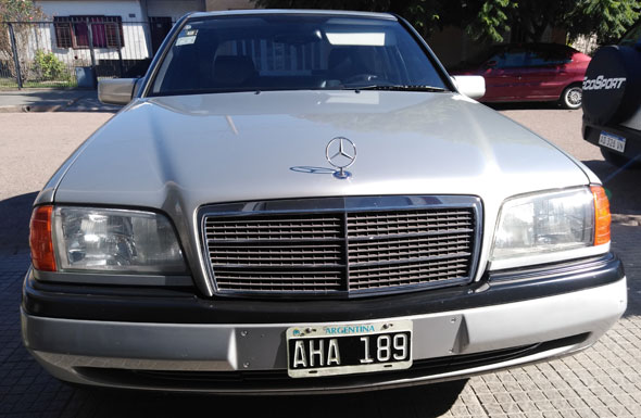Auto Mercedes Benz C180