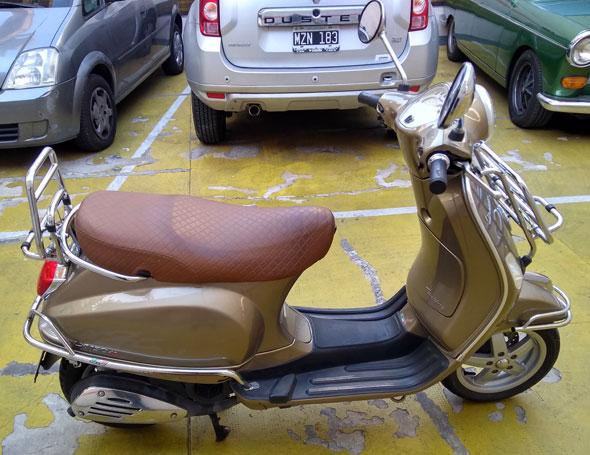 Vespa LX150 Touring