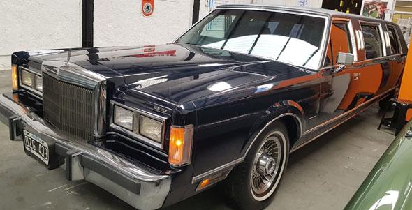 Lincoln Town Car Limusina