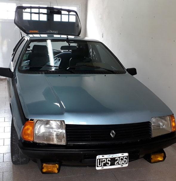 Renault Coupé Fuego