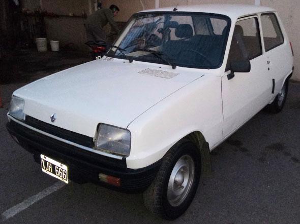 Auto Renault R 5