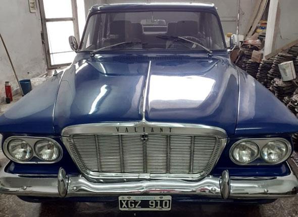 Auto Chrysler Valiant 2