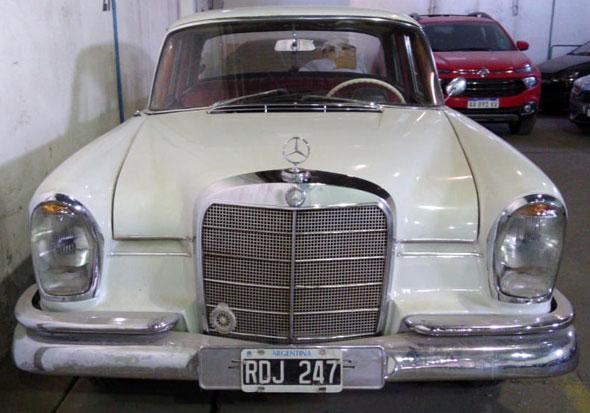 Mercedes Benz 220S Colas 1964