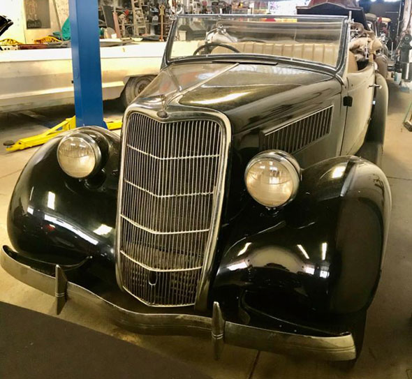Ford 1935 Roadster