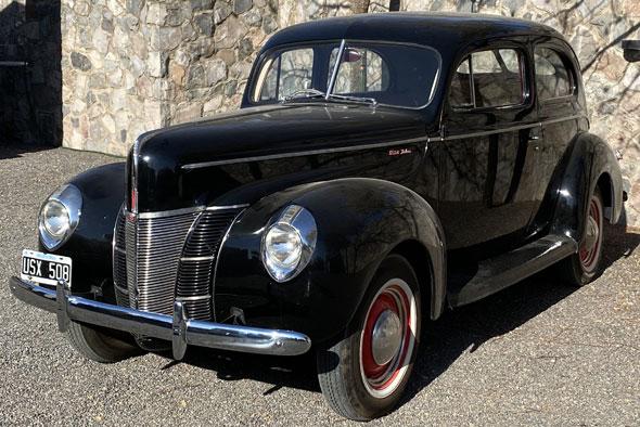 Ford Deluxe Tudor 1940