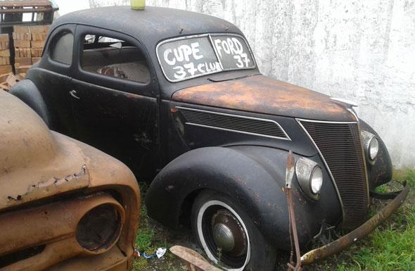 Ford 1937 Coupé
