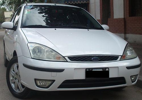 Car Ford Focus Ghia 2.0 Duratec AT