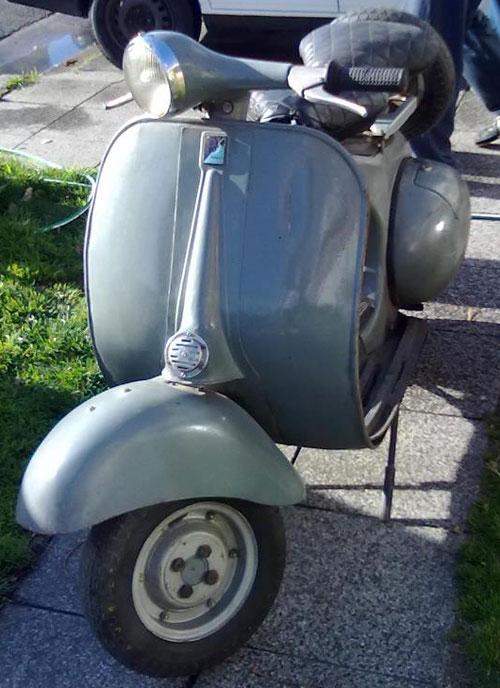 Motorcycle Piaggio Vespa VB1
