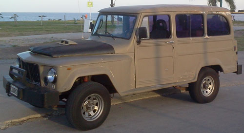Car Jeep Estanciera 4x4