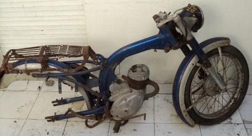 Motorcycle Benelli Leoncino