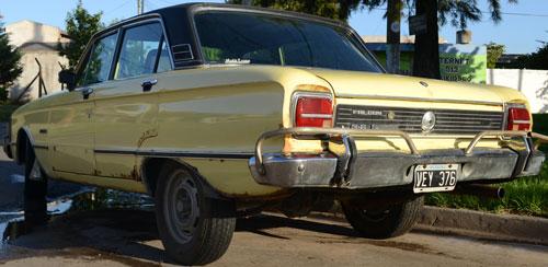 Car Ford Falcon Futura