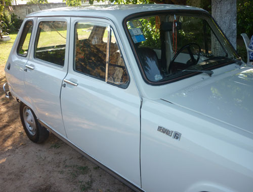 Car Renault 6