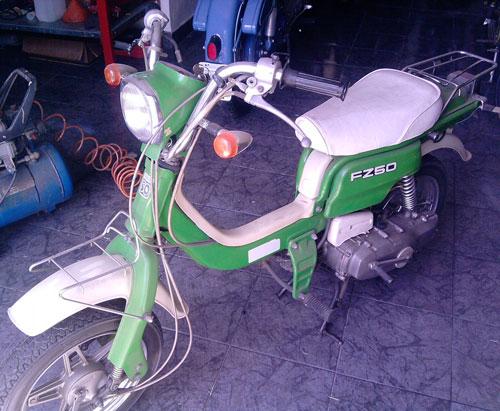Moto Suzuki FZ50