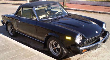 Auto Fiat 124 Spider