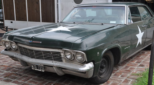 Car Chevrolet Impala 1965
