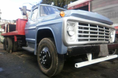 Car Ford 7000