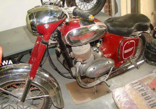 Motorcycle Jawa 250