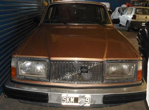Car Volvo 264