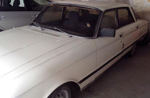 Car Ford Falcon 1983