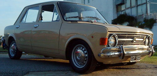 Auto Fiat 128 Berlina